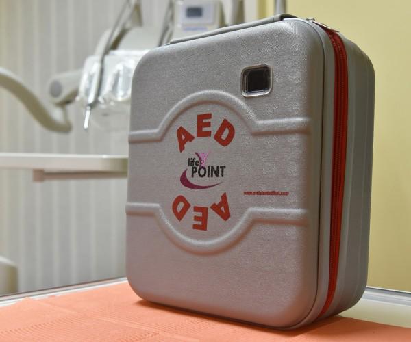 Polimed-Pontecorvo-studio-dentistico-defibrillatore